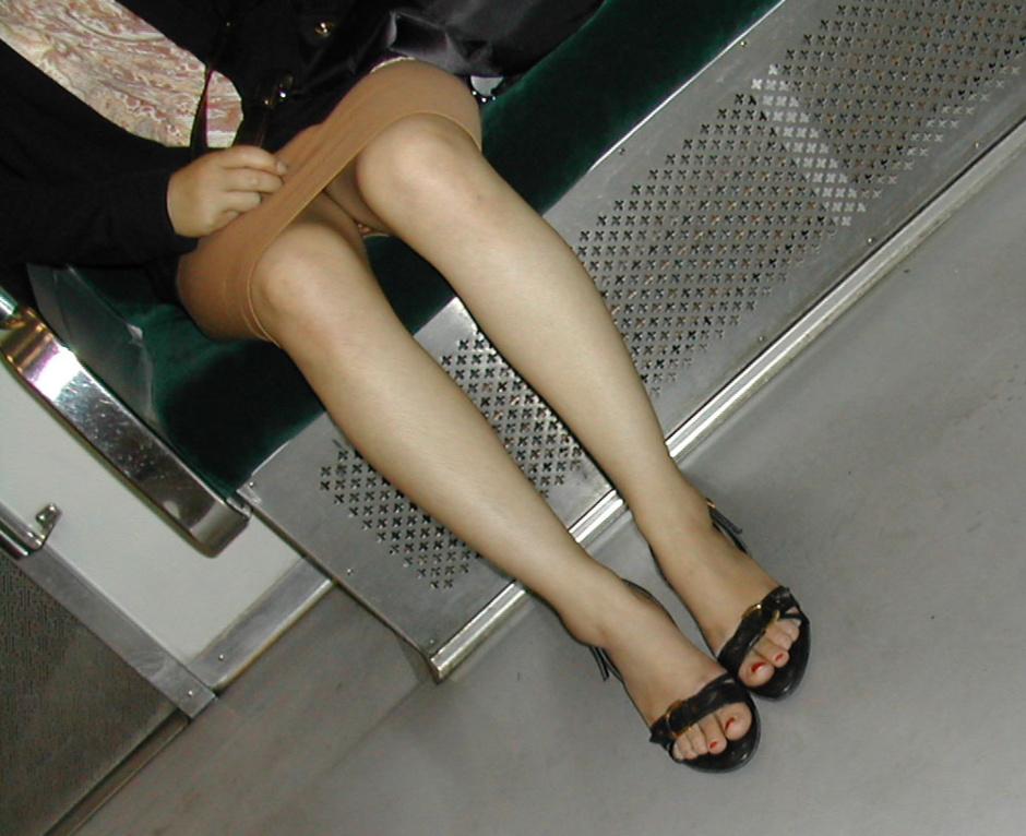 ▽電車での対面パンチラ▼19両目 [無断転載禁止]©bbspink.comYouTube動画>4本 ->画像>536枚